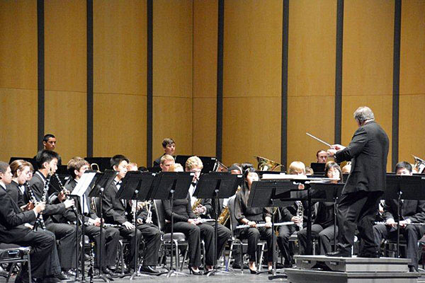 Mark Camphouse conducting the Greater Dallas Youth Orchestra Wind Symphony